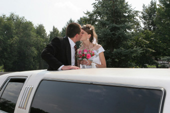 Photo of newlywed in a limo