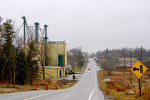 Photo of a road in East Gwillimbury, Ontario